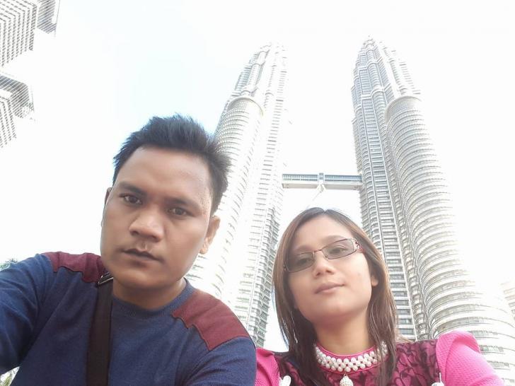 Jonatan Sihotang bersama Istri