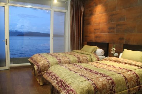 Suite room tiara hotel balige